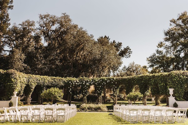 outdoor wedding ceremony at Crane Cottage on Jekyll Island