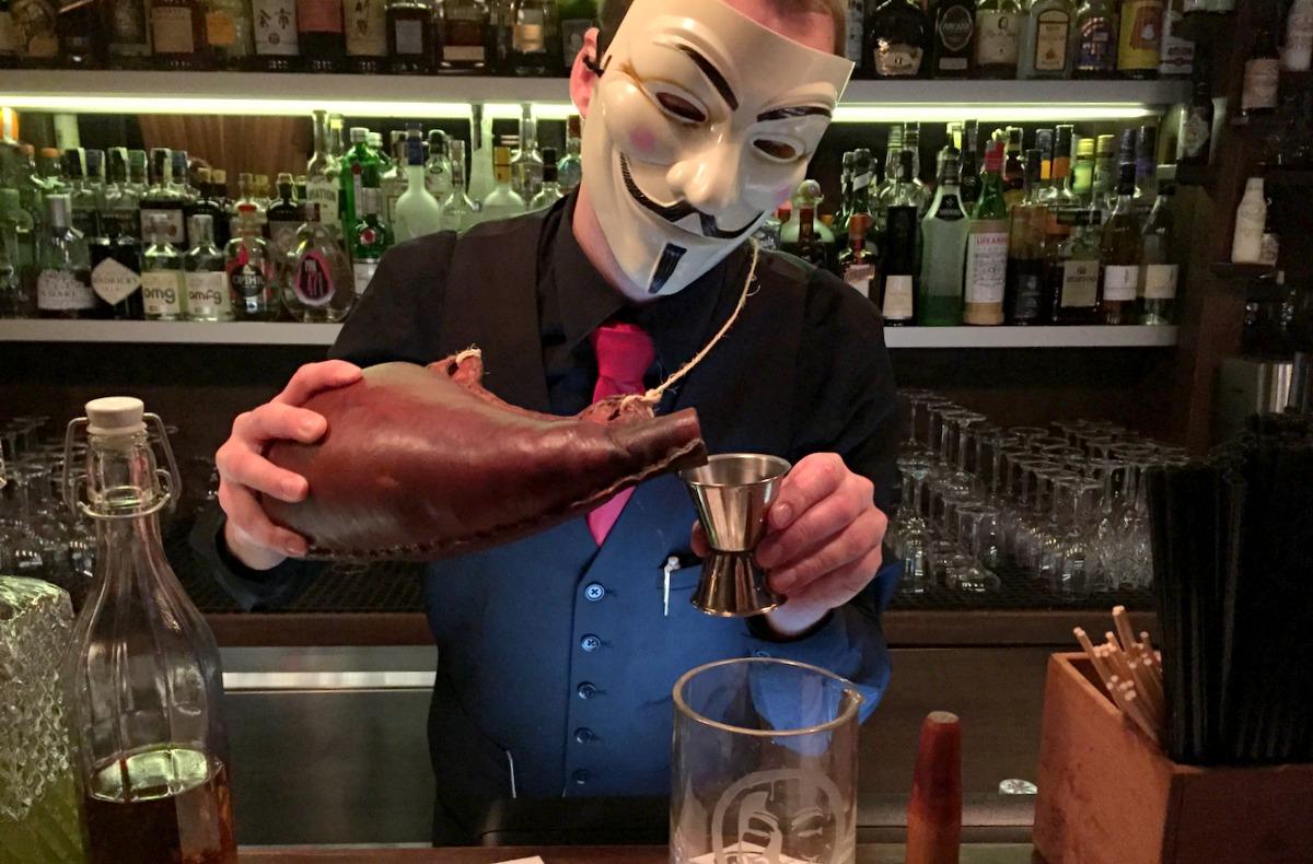 Bar Notes: Anonymous Bar (Prague)