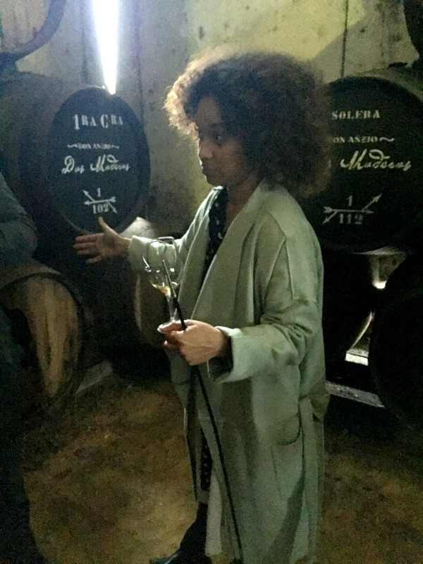 Paola Medina Sheldon pouring samples of Dos Maderas, Williams & Humbert, Jerez de la Frontera