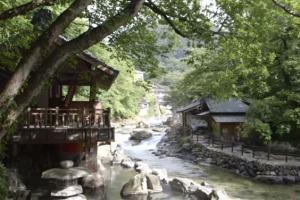 夏の宝川温泉