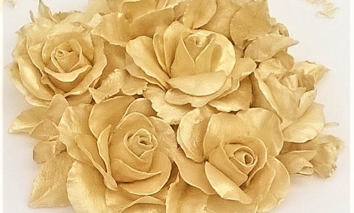 Handmade Gold Sugar Roses & Freesias by Cocoa & Whey Cakes in Winchester, Hampshire UK