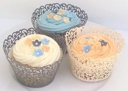 Wedding Favours - wedding cupcakes with sugar blossoms