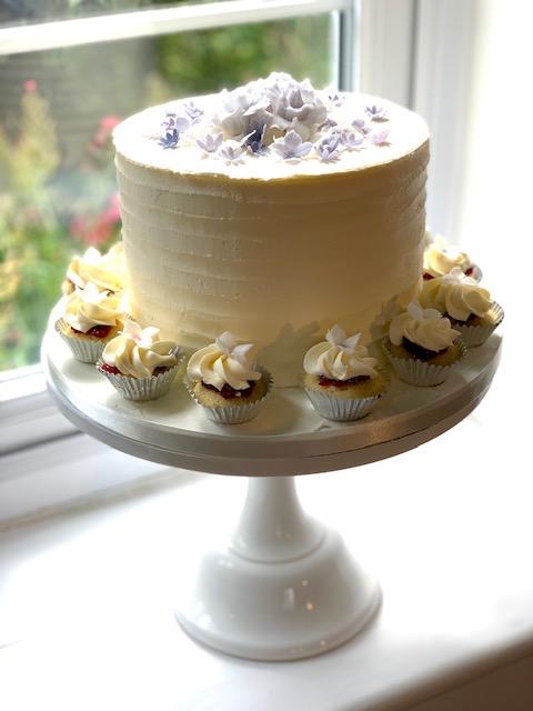 Buttercream Single Tier & Mini Cupcakes with Pale Purple Sugar Blossoms
