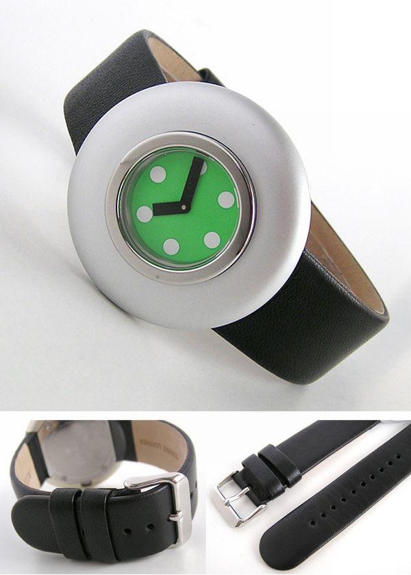 hei-tev-ir-superigs-pulkstenis