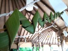 Palm leaf garlands: a Maldivian touch