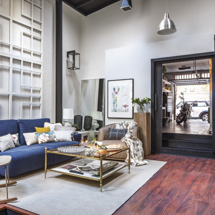 living-room-blue-sofa-lattice-wall-art-cococozy-2