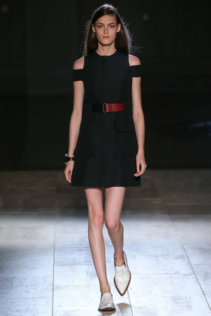 victoria-beckham-black-red-belt-mini-dress-spring-summer-2015