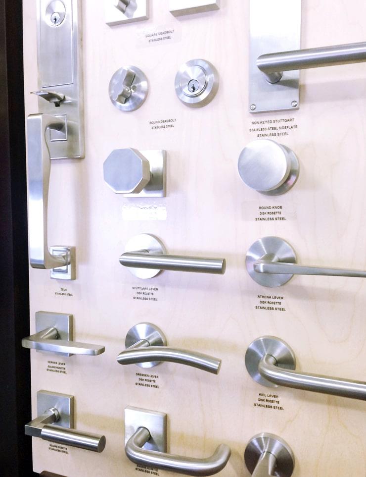 11 modern door levers cococozy - Contemporary interior door levers ...
