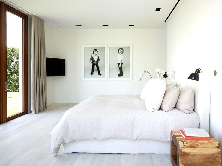 Modern house Palm Beach white bedroom