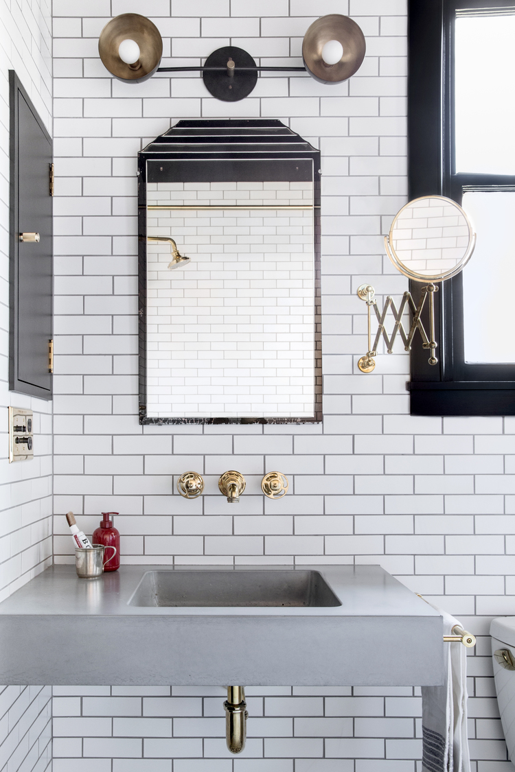 Bathroom design floating sink mirror white subway tile - White subway tile with black grout bathroom ...