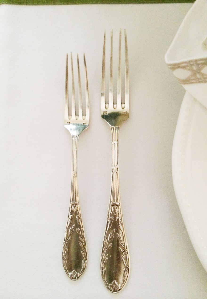 Place setting silverware