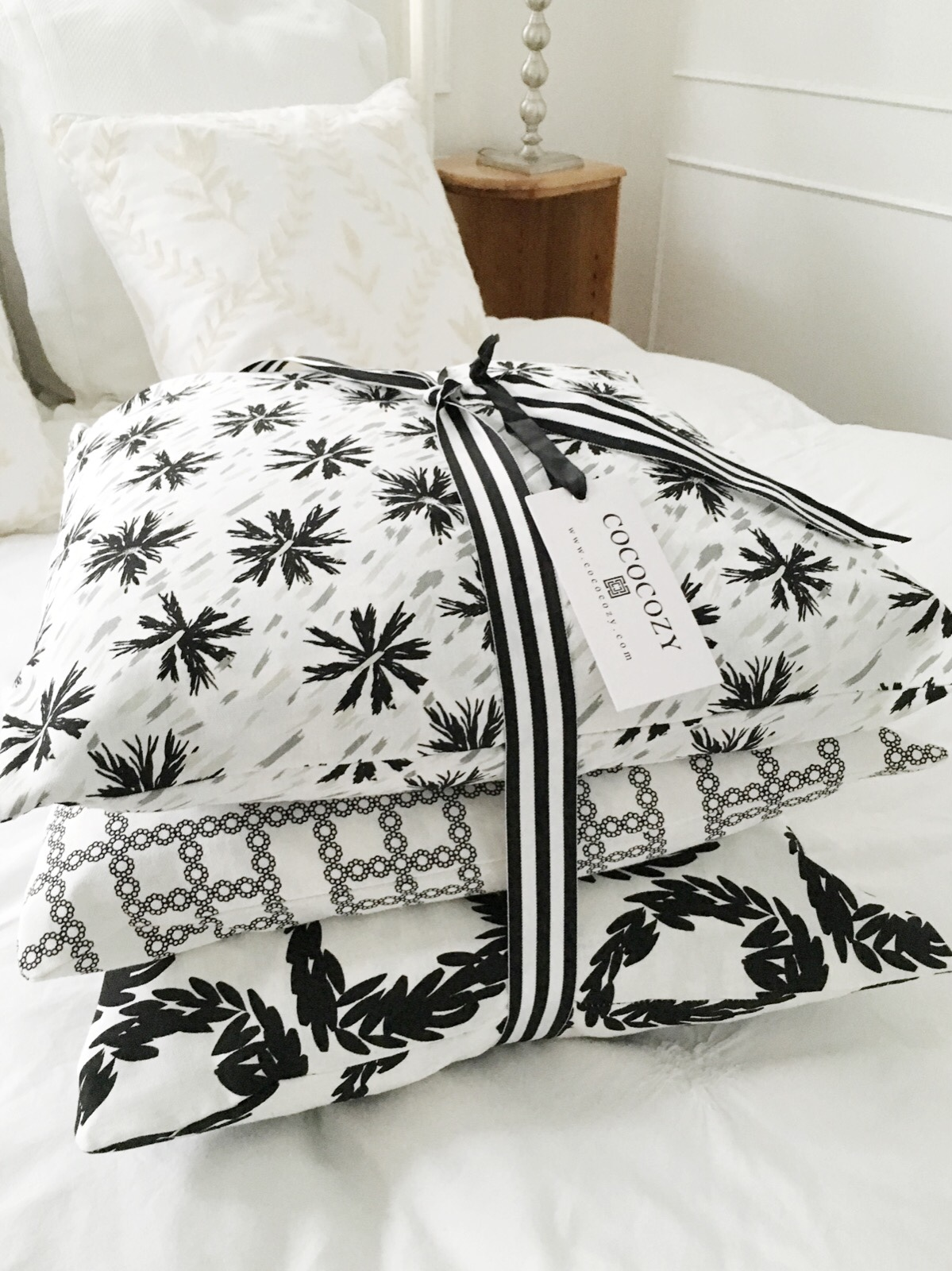 Black white pillows