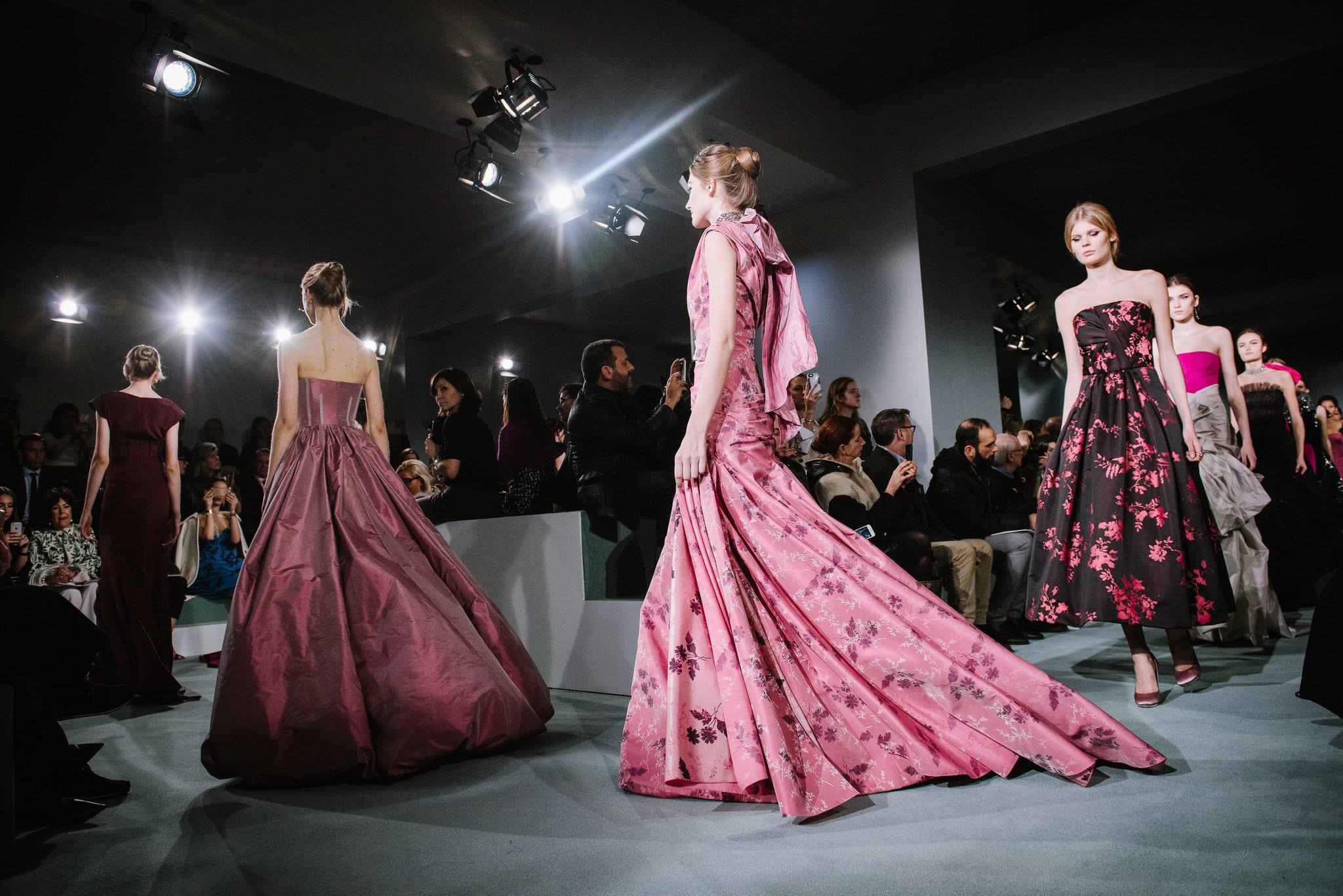 oscar-de-la-renta-formal-gowns-runway-pink-fuchsia-berry-floral-dress-cococozy-nyt