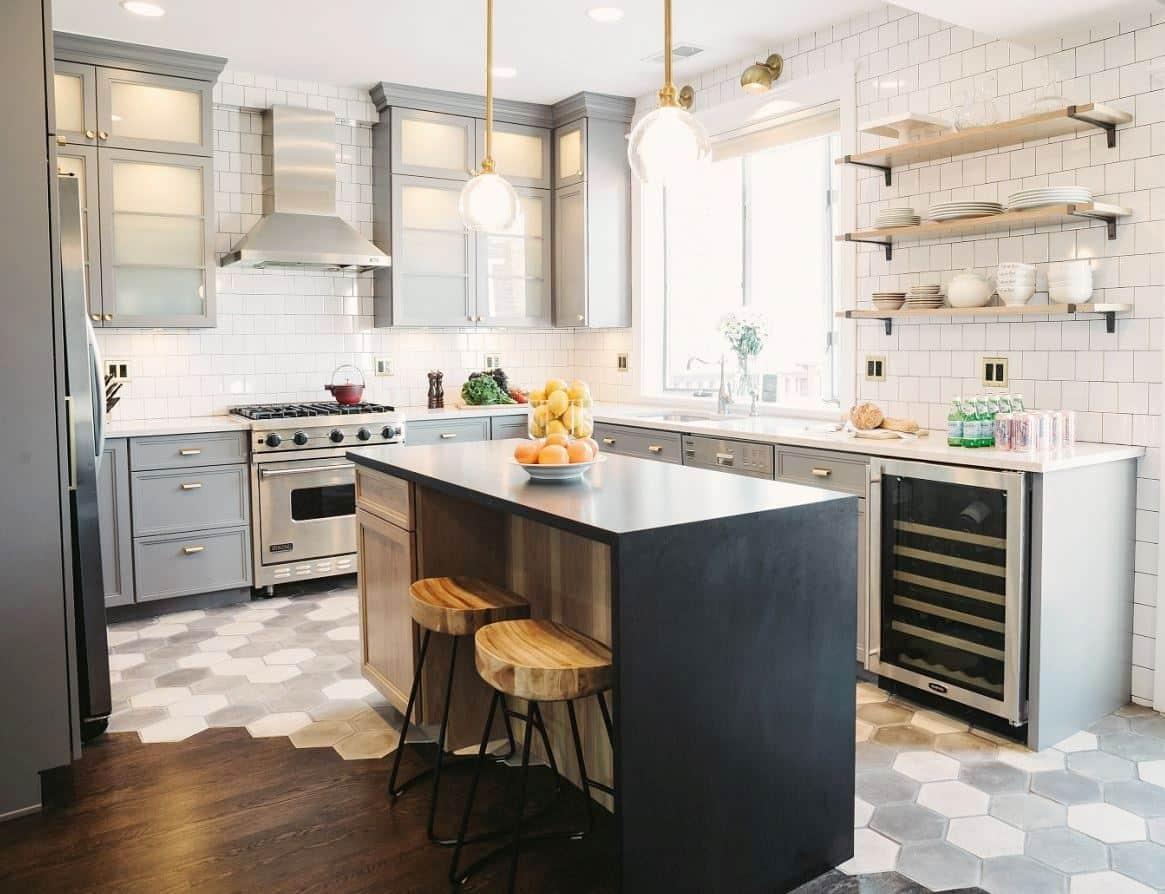 grey-kitchen-cabinets-brass-gold-hardware-pulls-knobs-square-tile-backsplash-large-hexagon-cococozy-suzannkletzien