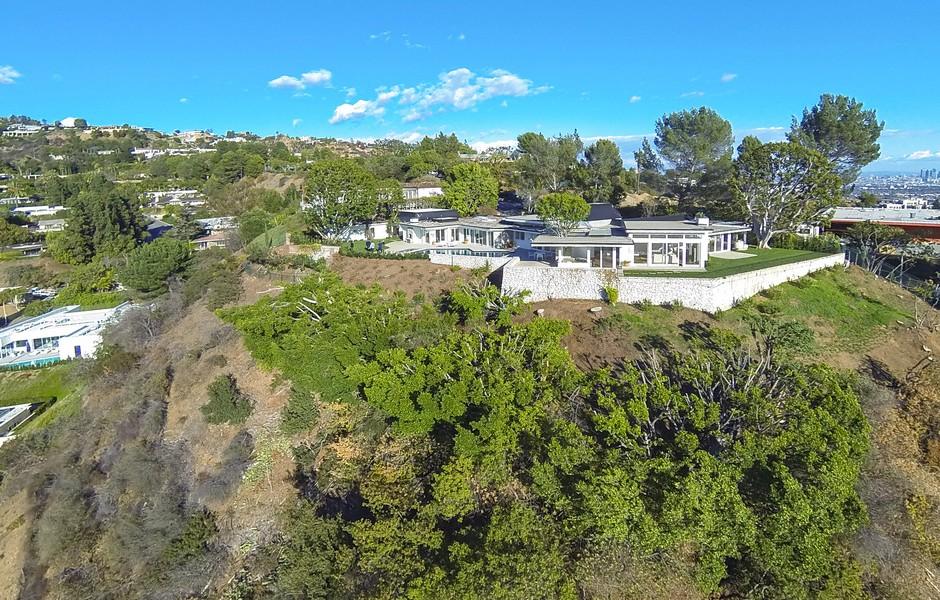 Elvis Presley Home 1174 Hillcrest Beverly Hills aerial view