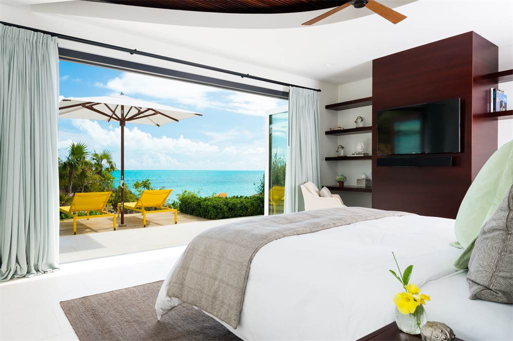 Caribbean Beachfront Turtle Tail Bedroom Cococozy