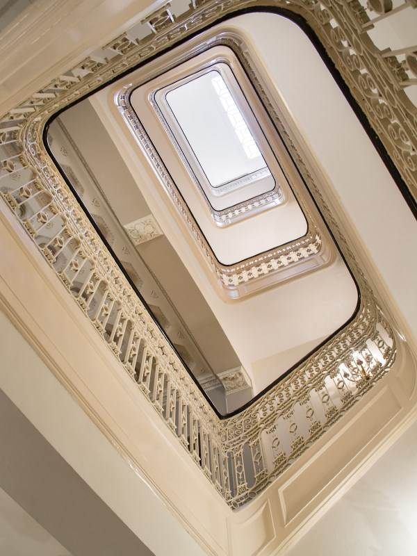 NYC-Staircase-Cococozy