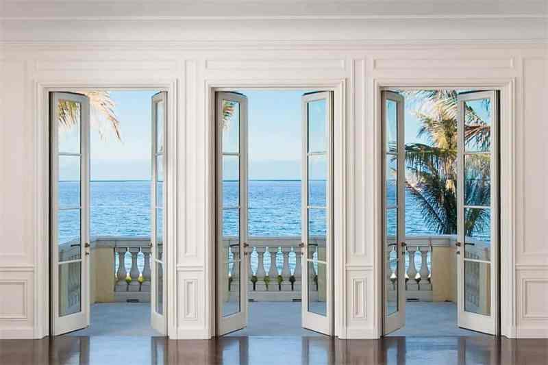 Palm Beach Veranda