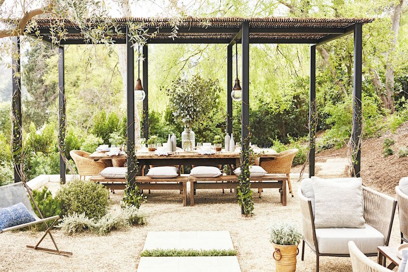 rustic outdoor entertaining dinner table