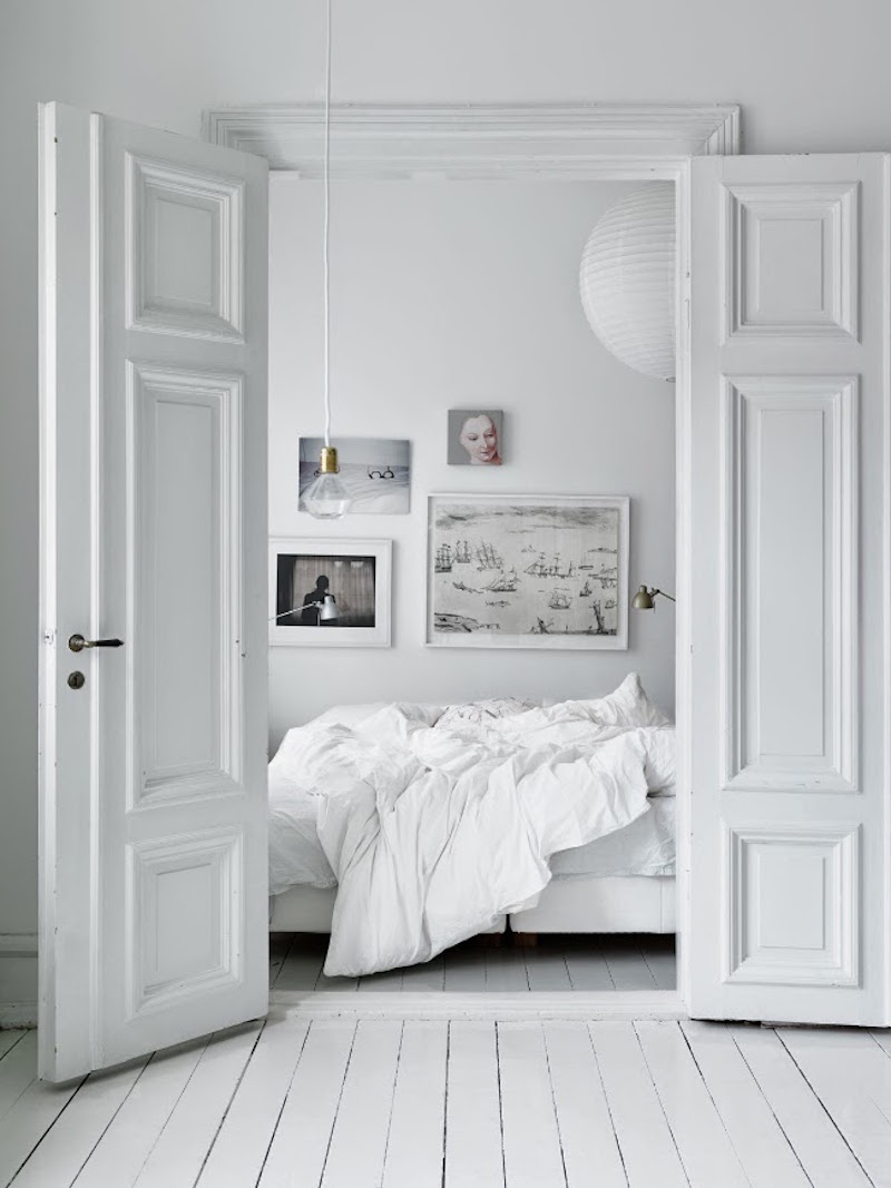 white bedroom bedding