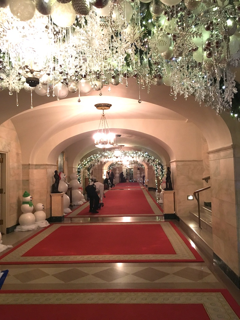 white house holidays hallway