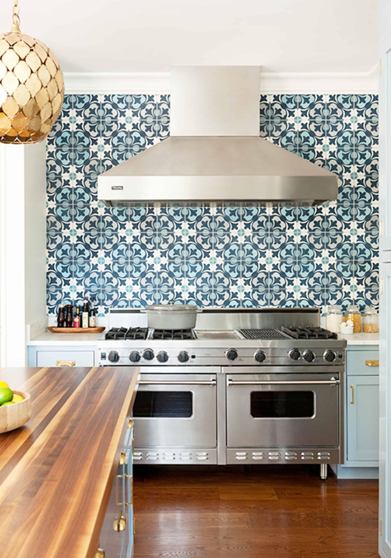 17 Tempting Tile Backsplash Ideas for Behind the Stove ...