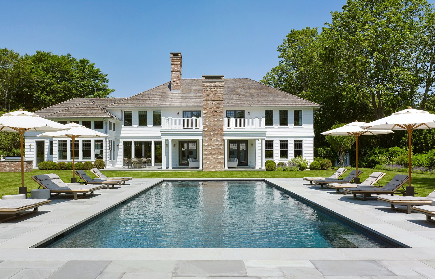 Hamptons home with a modern twist cococozy for Hamptons pool design