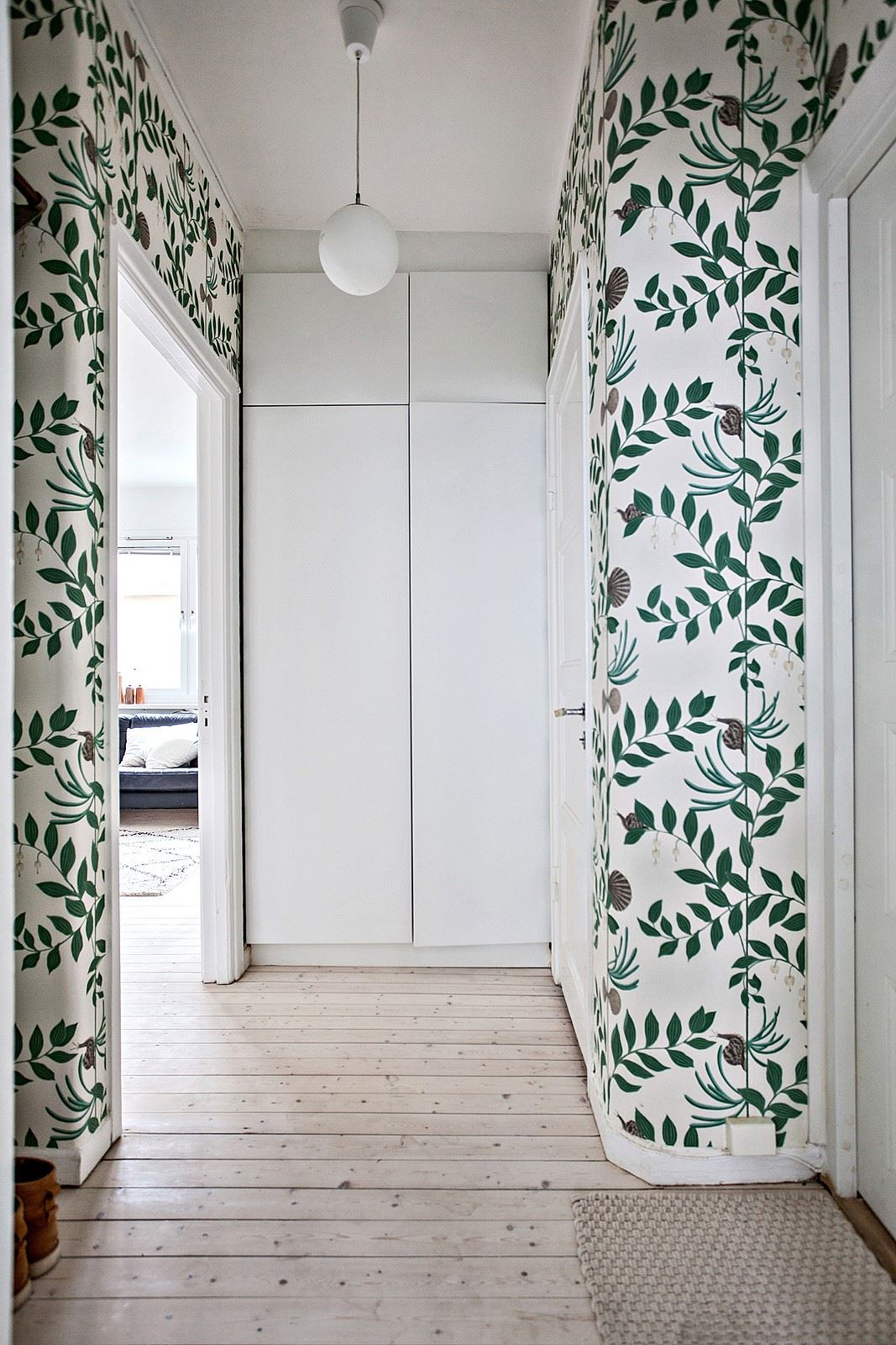 Foyer Wallpaper List : Foyer foliage wallpaper cococozy