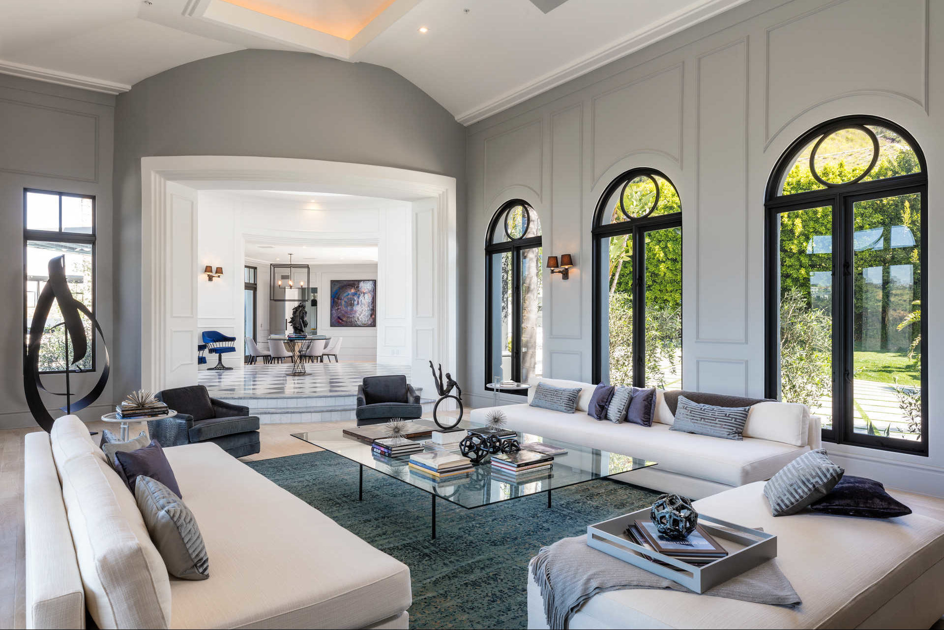 35 million dollar beverly hills mansion cococozy for Million dollar living rooms