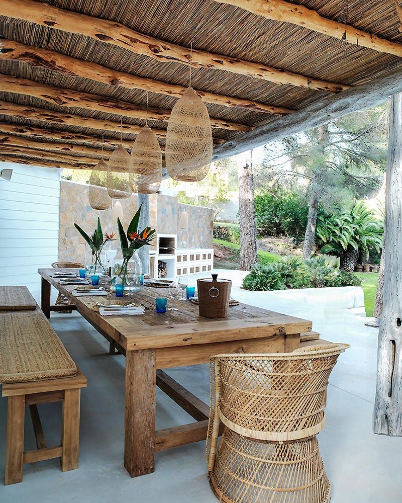 Avant-garde Outdoor Dining Room Design | COCOCOZY