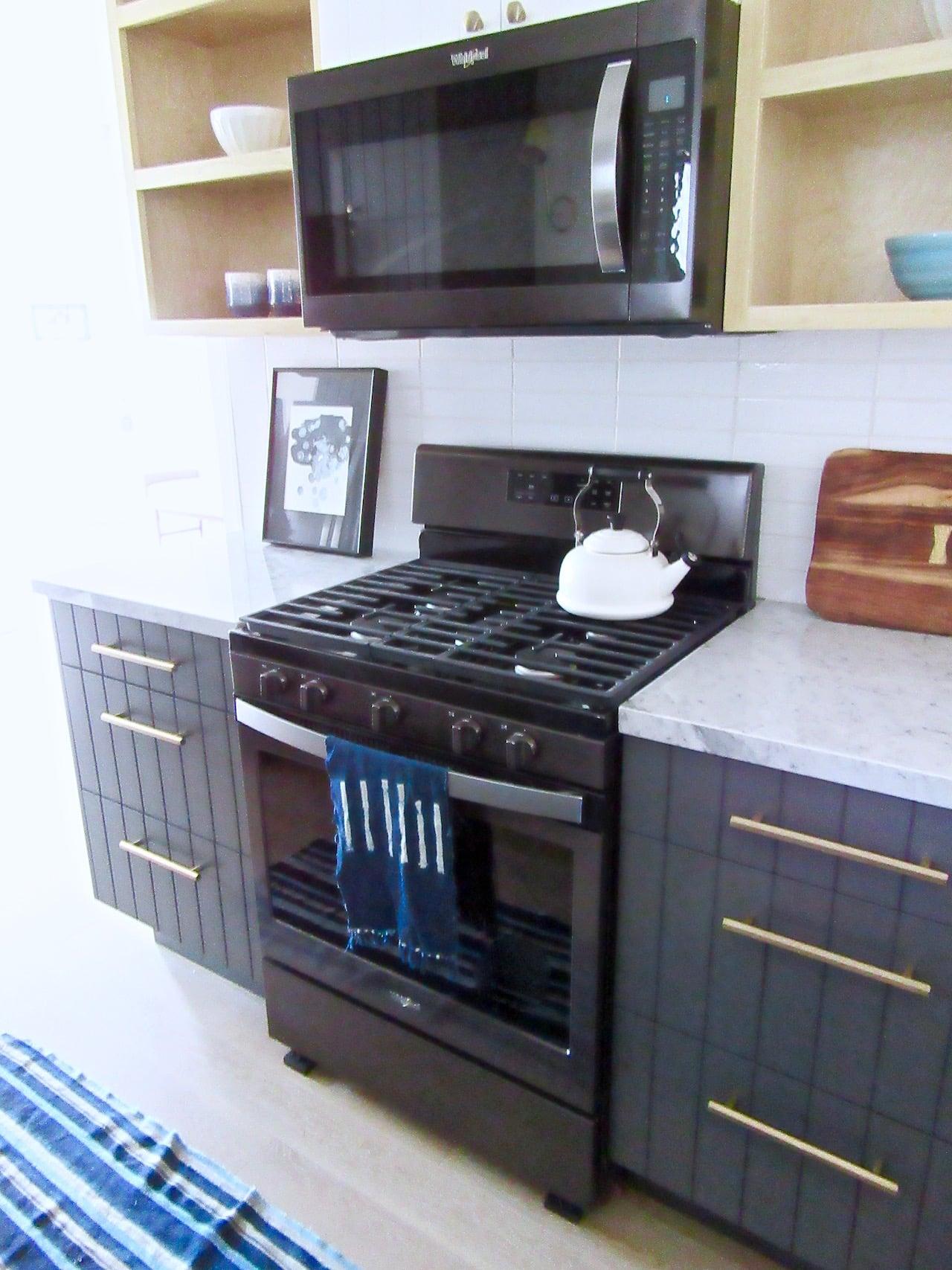 Silver Lake Small Kitchen Remodel Black Appliance Trend Cococozy