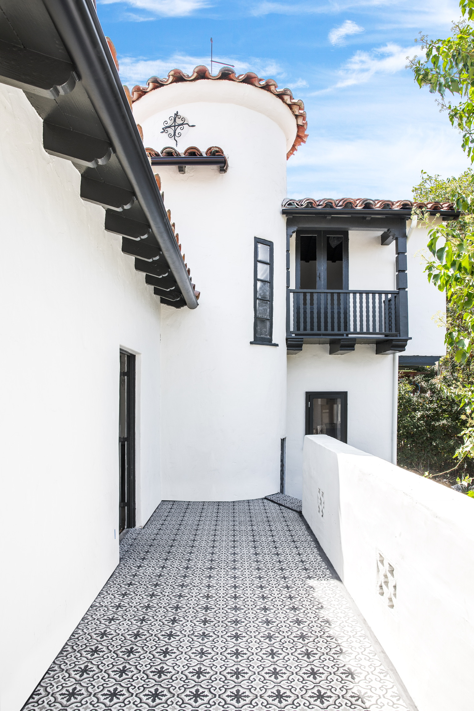 Back Balcony Makeover - Cement Tile Shop   COCOCOZY