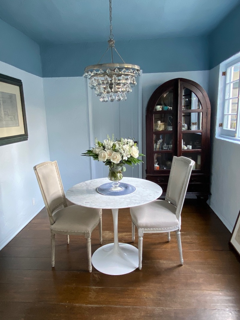 pretty flowers for the home blue dining room