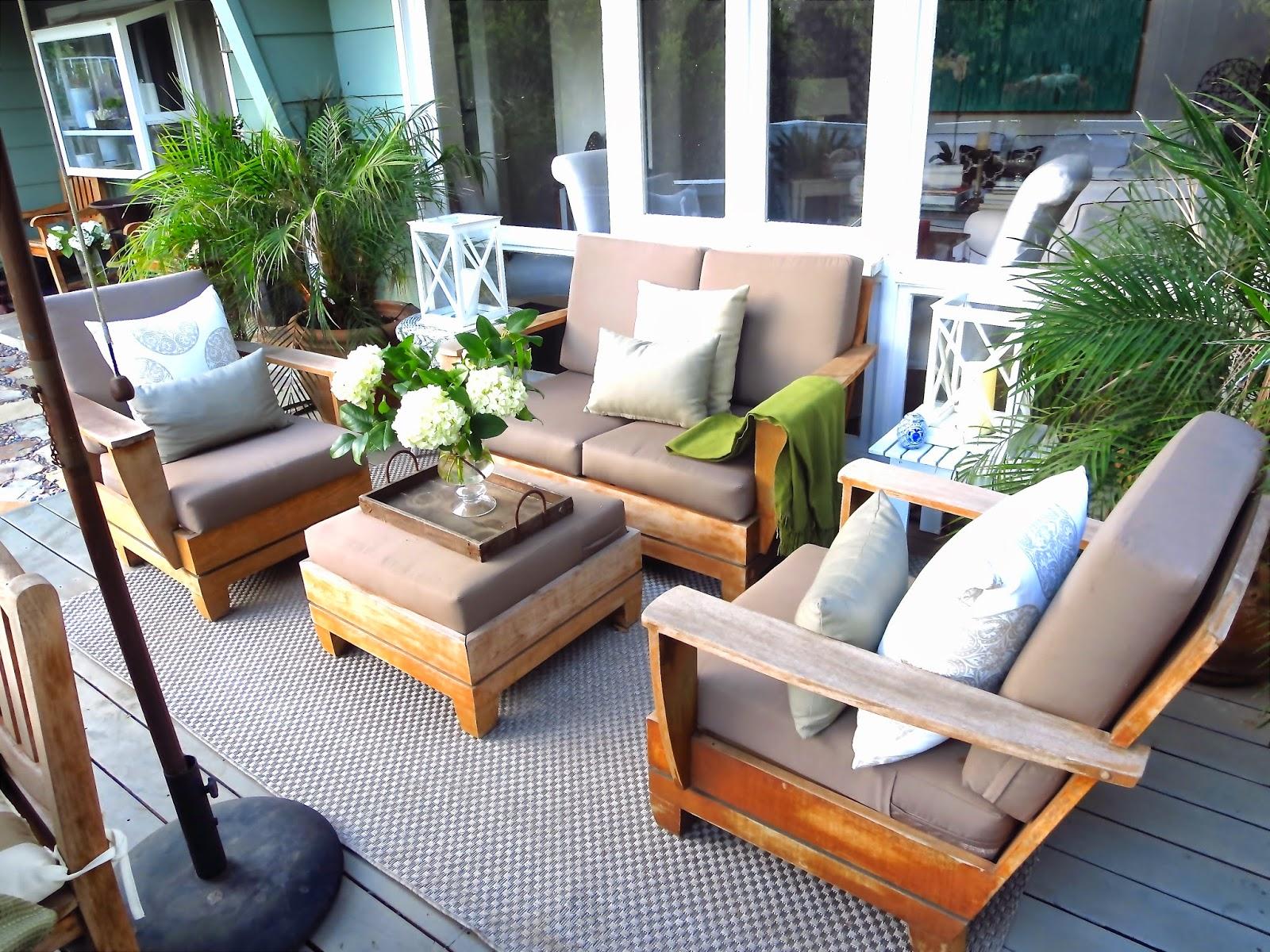 MY HOLLYWOOD HILLS COTTAGE DECK MAKEOVER GOING NEUTRAL