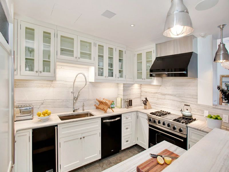 UGLY OR PRETTY - WHITE CABINETS, BLACK APPLIANCES?! | COCOCOZY