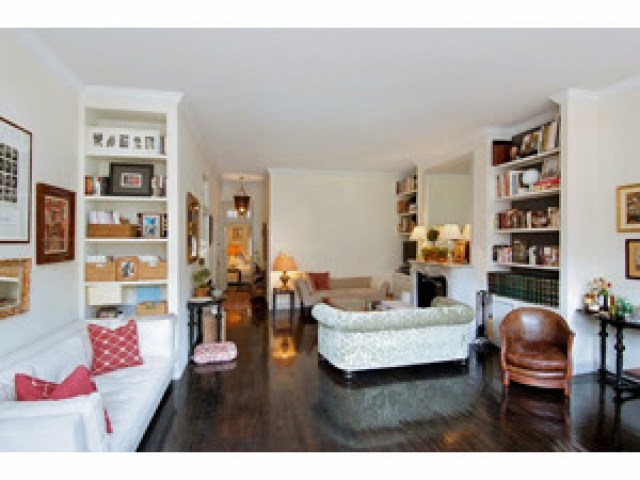 Rebecca de Ravenel's living room in her New York apartment before being redecorated