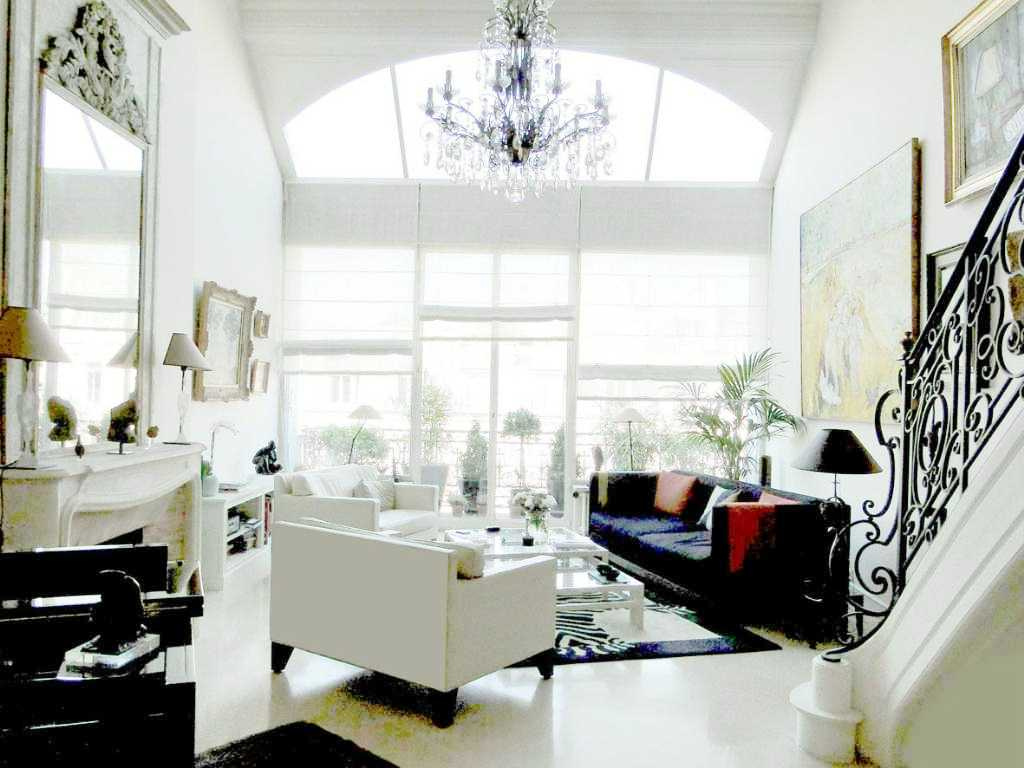 SEE THIS HOUSE: A MULTI MILLION DOLLAR PARIS PIED-A-TERRE! | COCOCOZY