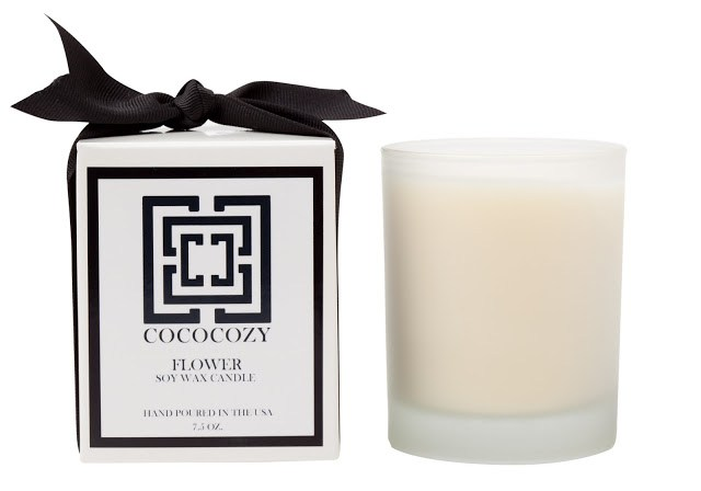 COCOCOZY Flower Candle and it's box