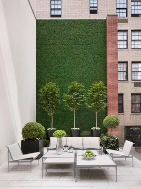 Apartment versus estate outdoor living rooms 2 cococozy for Tj garden rooms