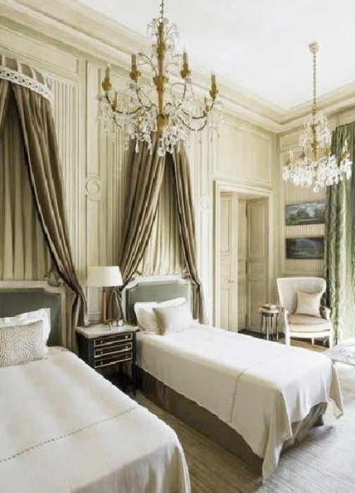 REGAL BEDS - CLASSIC FRENCH BEDROOMS | COCOCOZY