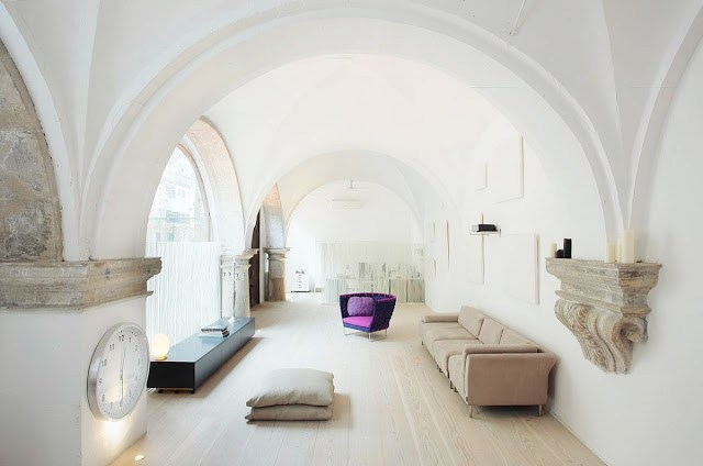 cloister in Barcelona turned into a modern living room