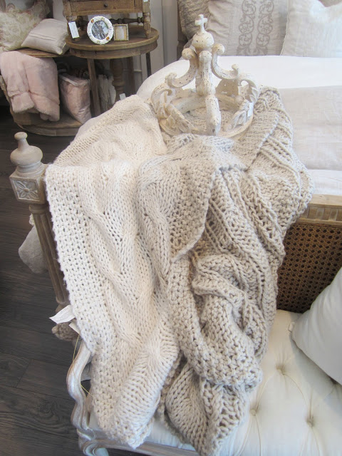 Pom Pom knit throws in white and grey