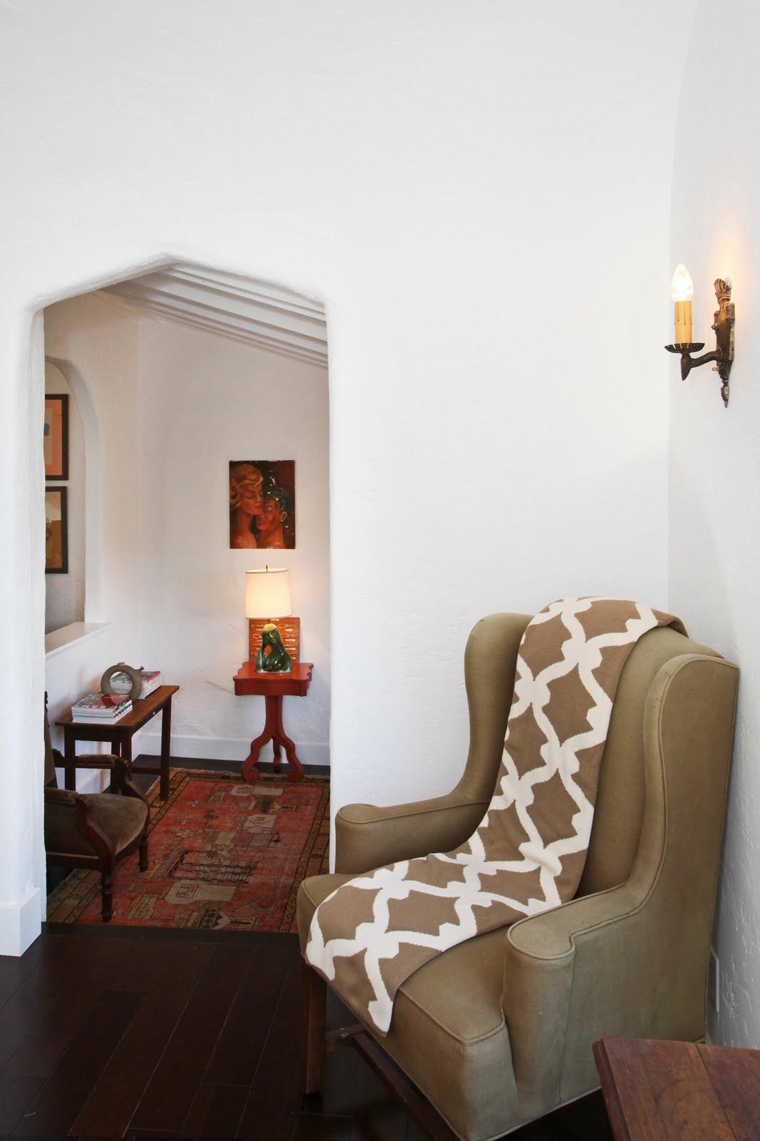 Fantastic The Living Room In Spanish Festooning - Beautiful Living ...