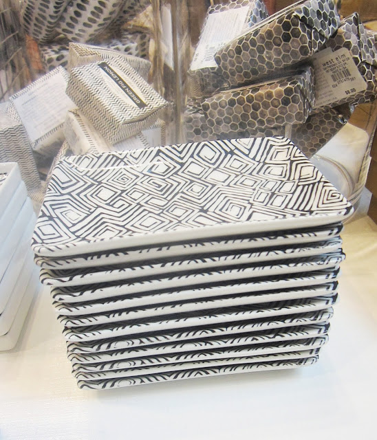 Black and white graphic printed Hammam ceramic soap dishes