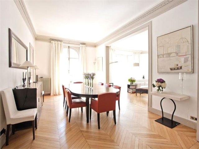 Dining room in a Paris apartment