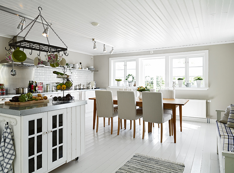 Darling Swedish Cottage By The Sea See This House