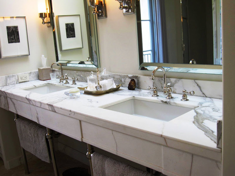 Rectangular Over Mirror Light In Matt Nickel Or Polished Chrome: A MAGNIFICENT MARBLE AND METAL BATHROOM!