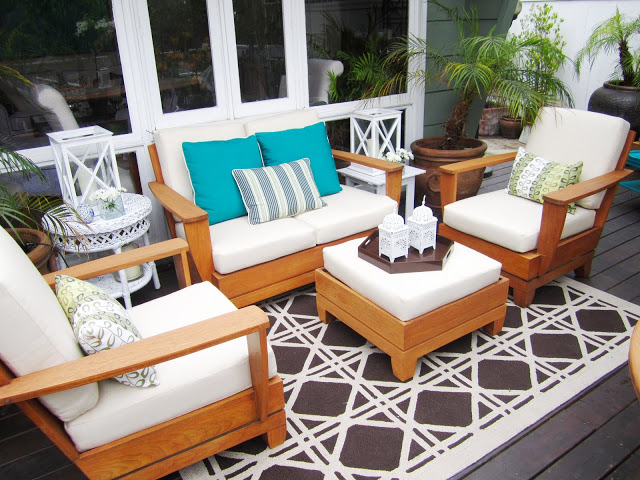 Teak lounge area furniture