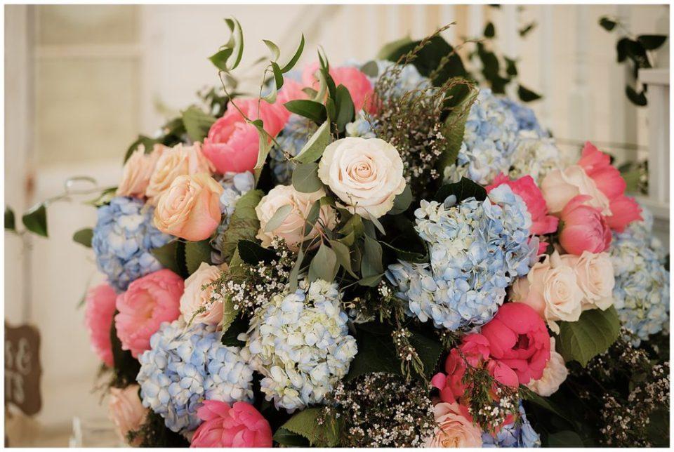 Blue, pink, orange... gorgeous color combination!