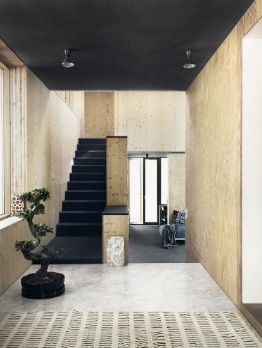 Wood walls and a black ceiling  COCO LAPINE DESIGNCOCO
